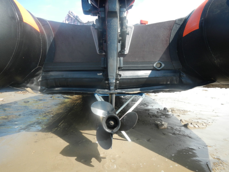 как правильно установить лодочный мотор на лодку пвх с плоским дном