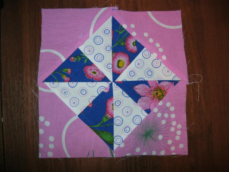 """Лоскутное шитьё № 12:  блок """"Мельница в квадрате"""", оригинальные плечики для одежды"""